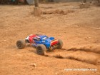 TWISTER TRUGGY 2WD 2.4G RTR (Photo 12)